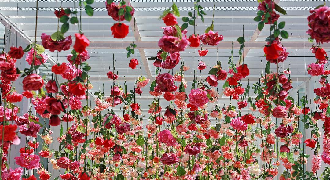wedding hanging flowers