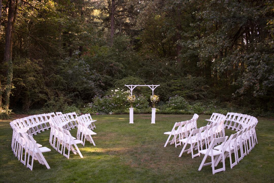 Intimate Seating for Weddings