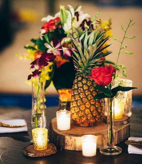 pineapple wedding decor 2