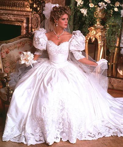 wedding dress puffed sleeves